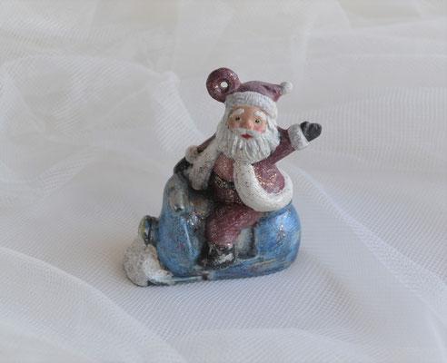 Christbaumhänger, Nikolaus auf Schneemobil aus Keramik