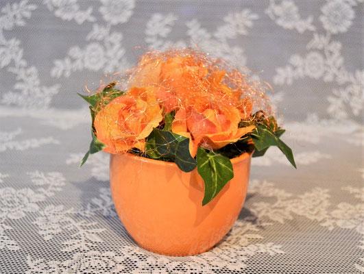 Gesteck mit Stoffblumen