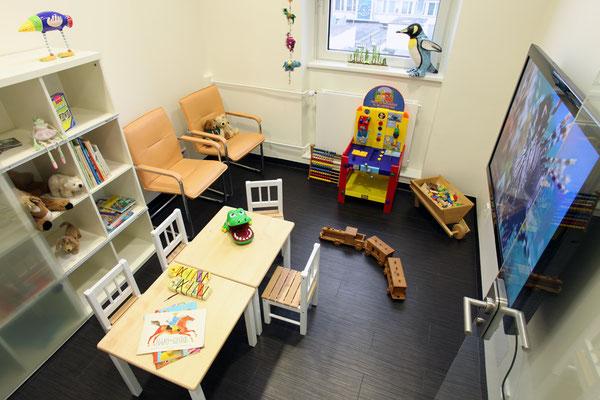Kinderwartezimmer Zahnarzt Essen - Praxis Dr.Koravi