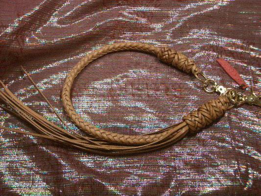 極太8本組編み 2ガウチョノット 4リングノット 1リングノット装飾  真鍮金具