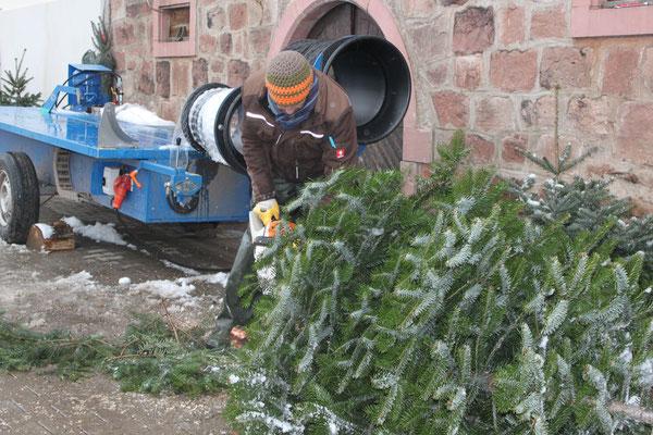 Verpackungsgerät für Weihnachtsbäume, Christbäume, Tannenbäume vom Schwarzwaldhof Hölzleberg, Josef Gmeiner in Durbach - https://www.hoelzleberg.de