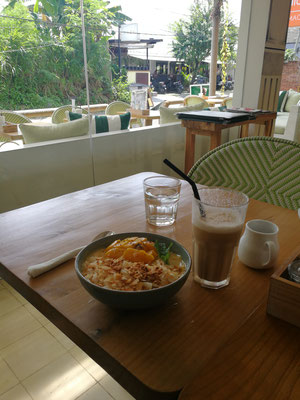 Break Fast at Petit Gourmet, Berawa Bali