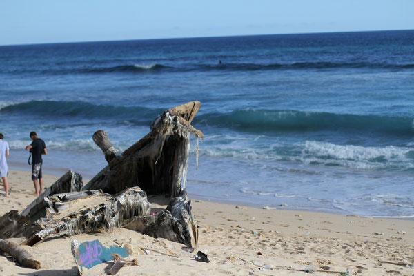 Old Shipwreck at Nyang-Nyang Beach Uluwatu