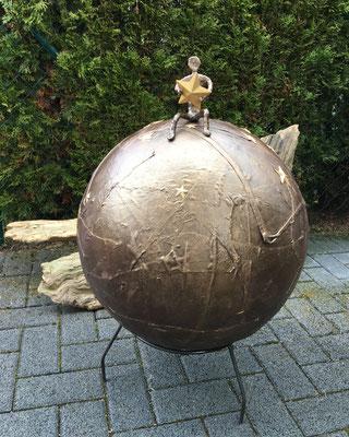 """Sternen-Bola"" mit Metallsockel"
