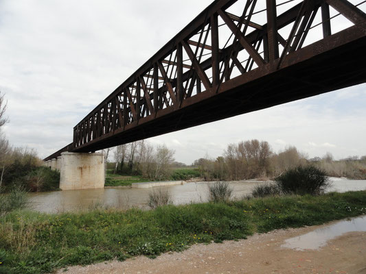 Gaillousty - Eisenbahnbrücke über die Aude