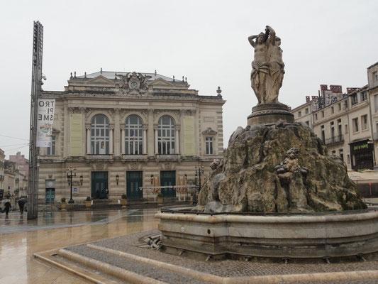 Montpellier - Place de la Comédie - Brunnen der drei Grazien (Les trois graces)