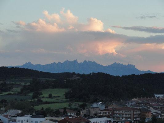 Artés - Blick auf Montserrat