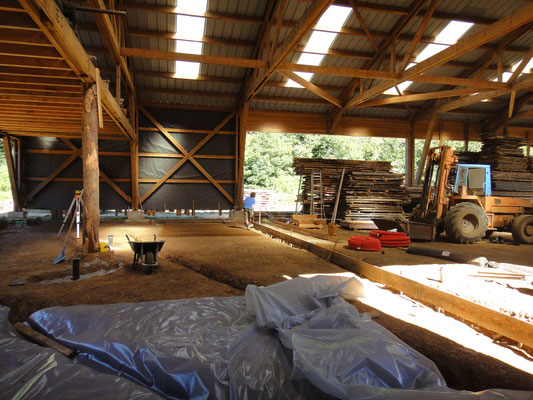 Installation de la bâche, pour l'isolation, juillet 2015
