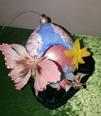 Gipsei mit Schmetterling