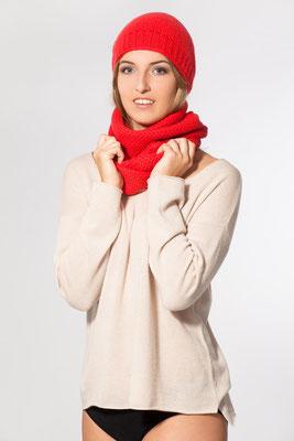 legerer Pullover mit Mütze und Schal in Perlmuster