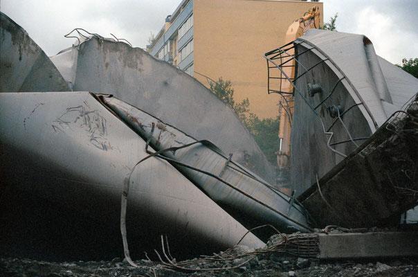 Tank, 1998