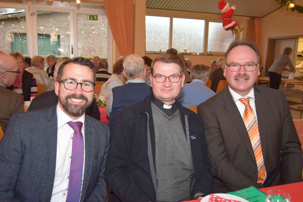 v. l. Bürgermeister Joachim Kunth, Pfarrer Gerd Kraus, Ortsvorsteher Günter Jäger