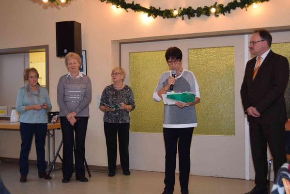 v. l. Gerda Ley, Maria Klein, Uschi Weyers, Ansprache Brigitte Wirtz, Günter Jäger