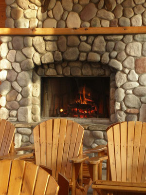 In 1999, the Blackmer Day Lodge debuted as Michigan's largest day lodge. This beautiful stone fireplace sets the tome for the lodge's friendly atmosphere.