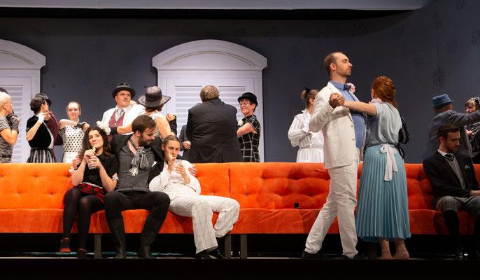 Als Figaro in Figaros Hochzeit; Regie: Erik Biegel; Foto: Gerd Heinzl
