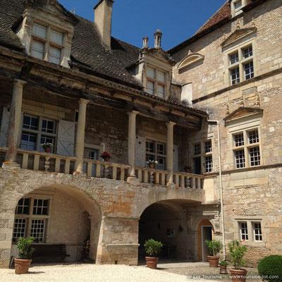 Château de Cénevières© Lot Tourisme A. Crépin