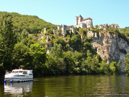 Navigation à Saint-Cirq-Lapopie | © Lot Tourisme - E. Ruffat