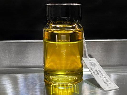 低温圧搾亜麻仁油のサンプル