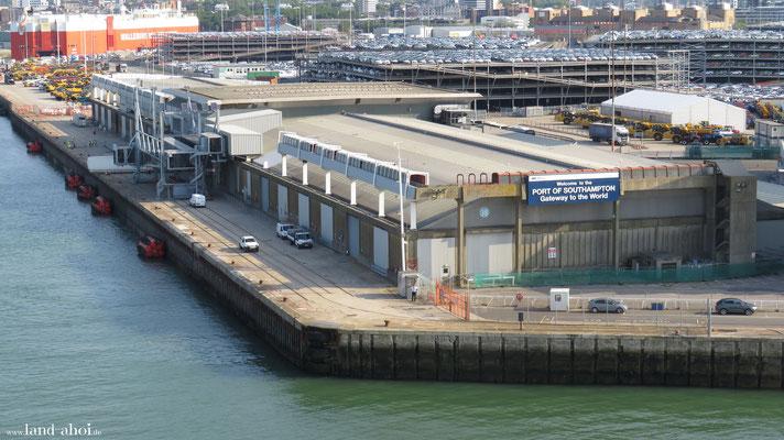 Southampton Queen Elisabeth 2 Cruise Terminal
