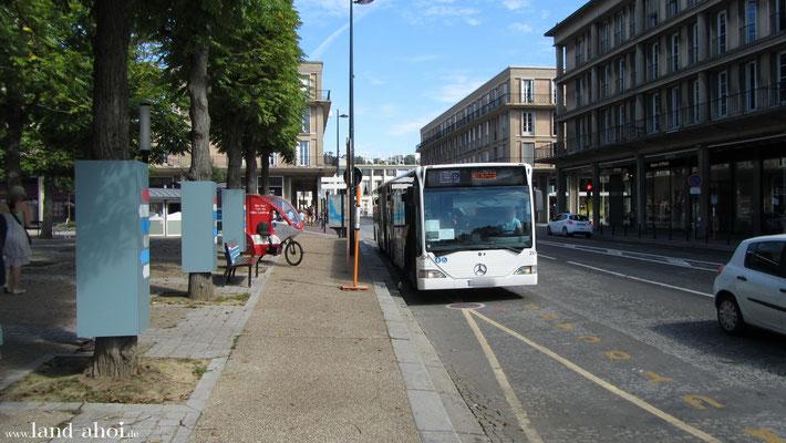Shuttlebus an der Haltestelle Stadtzentrum