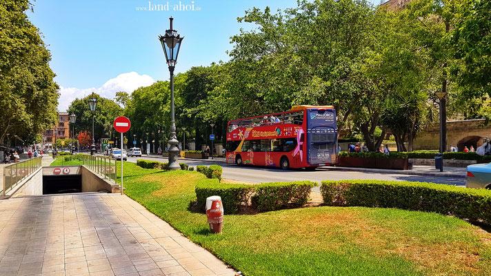 Sightseeing Bus in der Stadt
