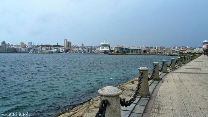 A Coruna Kreuzfahrthafen und AIDA Liegeplatz