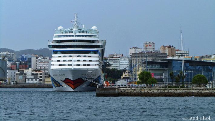 A Coruna Hafen und AIDA Liegeplatz