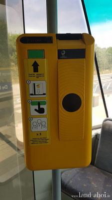 Lijn Entwertungsautomat in der Straßenbahn