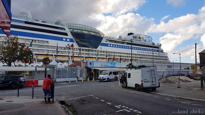 Guadeloupe Cruise Terminal Hafenausgang