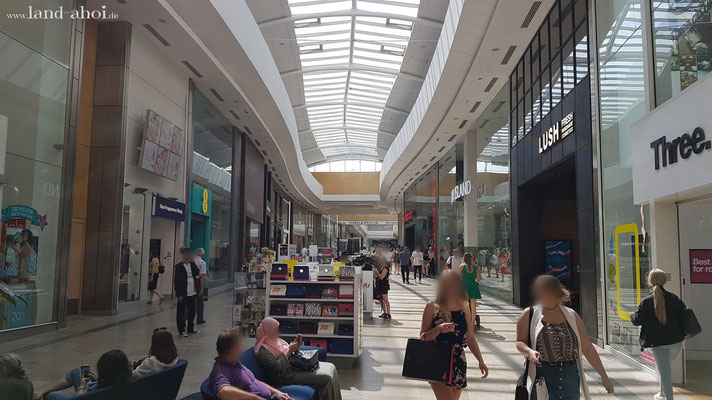 Southampton Shopping Center