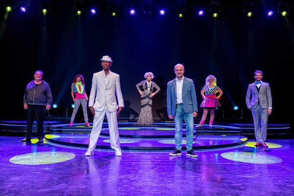 Schmidt-Theater gibt Gastspiel auf der Mein Schiff 1