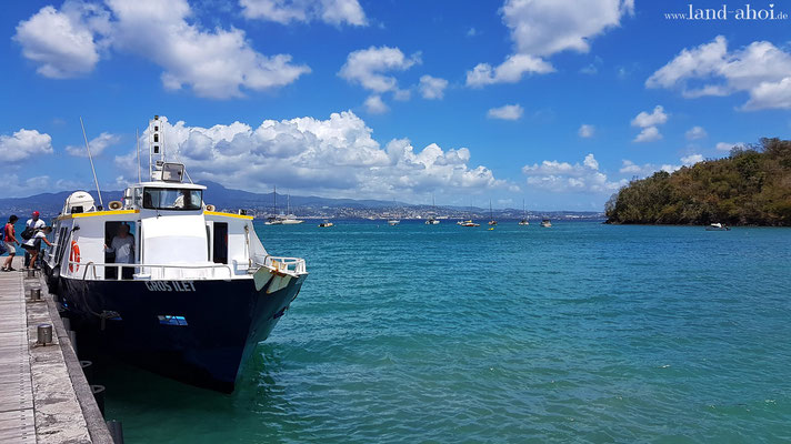 Fähre am Strand Anse à l'Ane