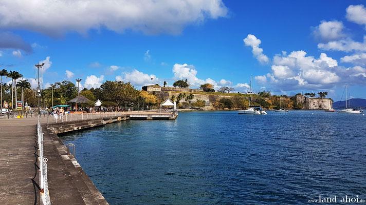 Weg zum La Francaise Beach und zur Festung