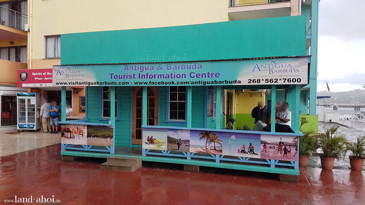 Antigua Tourist-Info am Hafen
