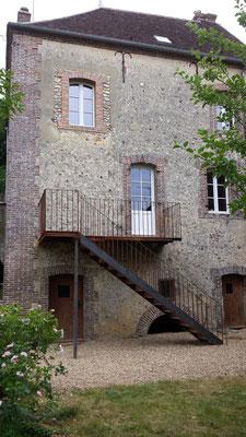 Création escalier et balcon en acier brut