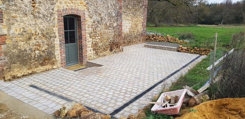 Création terrasse en pavés de grés