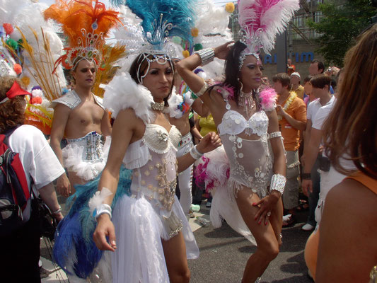 nur ein stellvertretendes Foto für den Trubel. Man fühlte sich wie live beim Karneval in Rio