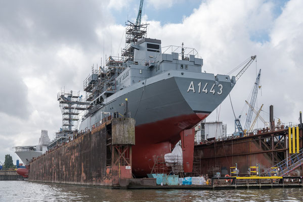 Die Rhön ist ein Betriebsstofftransporter der Deutschen Marine.  Aufgrund von Sicherheitsproblemen wurde der Rhön die Betriebserlaubnis entzogen und sie ist nicht in Fahrt (Stand 2021)