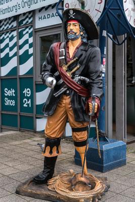Pirat am Würstelstand
