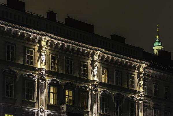 Graz Burgring mit Karyatiden an der Fassade