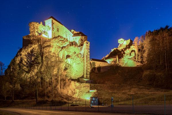 Burg Rabenstein unterm Abendhimmel