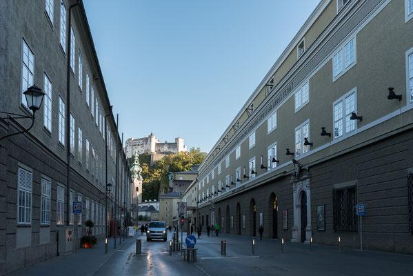 Blick von der Hofstallgasse zur Festung Hohensalzburg