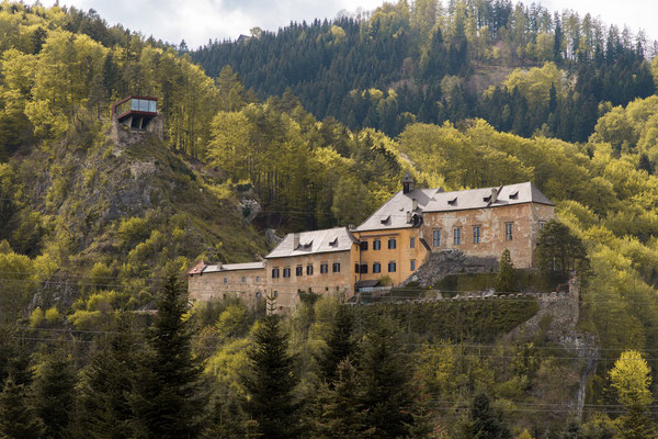 Burg Südsstseite