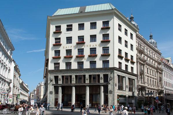 Das Looshaus in Wien und gilt als eines der zentralen Bauwerke der Wiener Moderne. Es markiert die Abkehr vom Historismus, aber auch von dem floralen Dekor des Secessionismus.