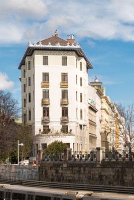 Der Rüdigerhof ist ein unter Denkmalschutz stehendes Jugendstil-Wohnhaus in Wien-Margareten Das Gebäude befindet sich in der Hamburgerstraße 20 (Rechte Wienzeile 67).