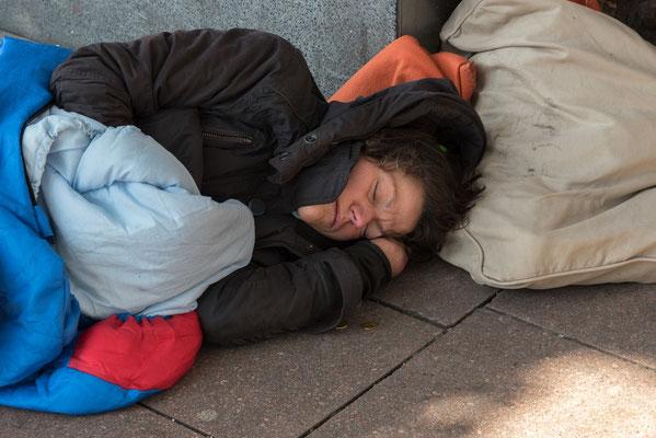 Junge Obdachlose...