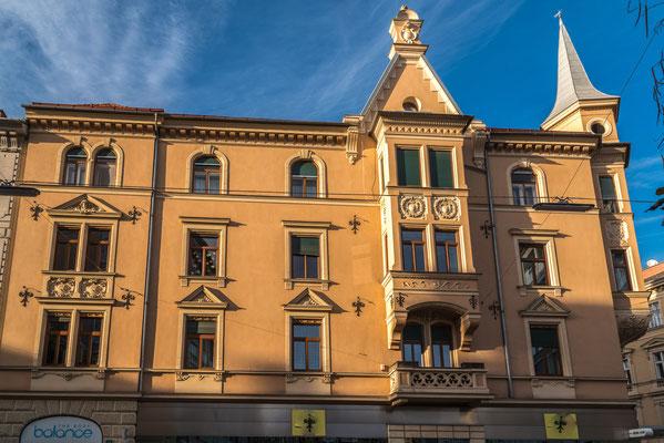 Heinrichstraße 23 Graz im Übergangsstil zwischen Späthistorismus und Jugendstil.