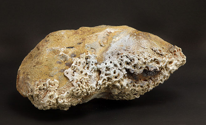 Iceland inspiration V. 40x40x25 cm. Grés et minéraux volcaniques. Vue de dessous