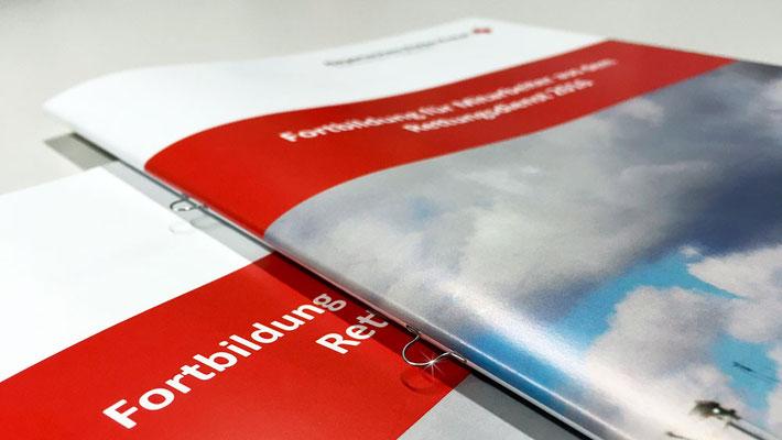 """Broschüre """"Fortbildung für Mitarbeiter..."""" mit Ringösenheftung"""