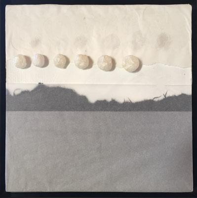 Punktuell - auf den Punkt gebracht, 30 x 30cm, Papier auf Pappe, 2017